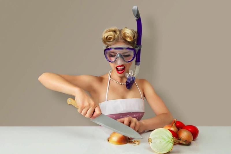 Если вы будете жевать жвачку во время резки лука – вы не заплачете.