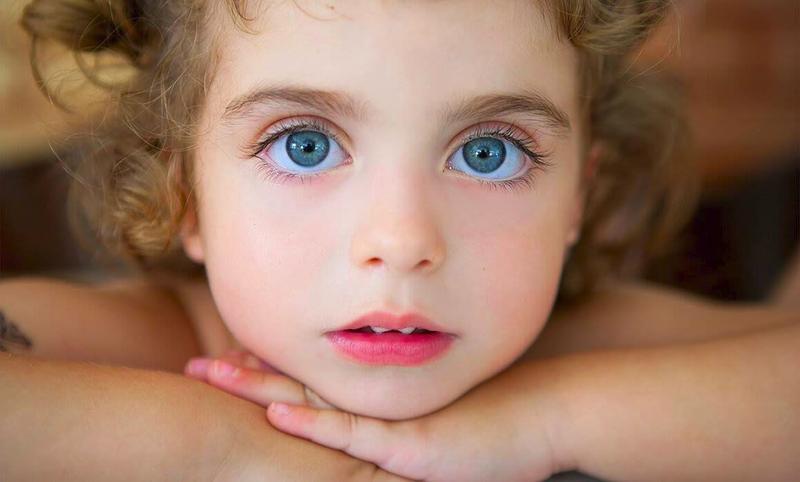 Психологи выяснили, что нас привлекает в незнакомых людях. Оказывается чаще всего нас привлекают - блестящие глаза, излучающие какие-либо эмоции.